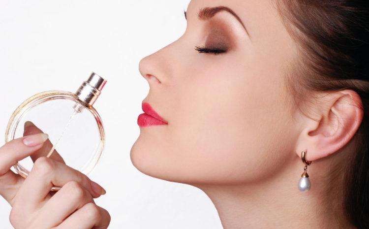 Дневные и вечерние ароматы: как подобрать уместный парфюмерный гардероб?